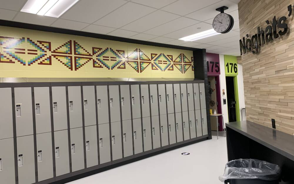 Tsuu Tina Manyhorses High Vinyl Applied Directly To Textured Wall With Lockers1
