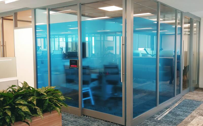 10 Great Examples of Decorative Office Privacy Film
